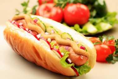 Hotdog Termasuk Dalam 6 Makanan Paling Berbahaya di Dunia