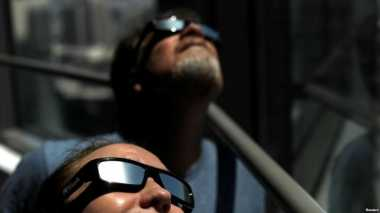 PENTING! Sederet Fase Gerhana Matahari Total dan Cara Aman Menyaksikannya