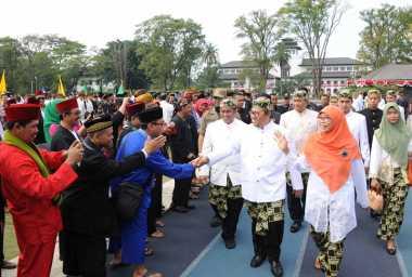 Dihadiri Para Bupati dan Walikota se-Jabar, Peringatan Hari Jadi ke-72 Provinsi Jabar Meriah