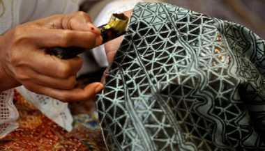Luar Biasa! Mahasiswa Indonesia Ciptakan Pengolah Limbah Produksi Batik Portable