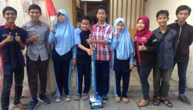 Jempol! Mahasiswa Ciptakan Tongkat Ajaib untuk Penyandang Tunanetra