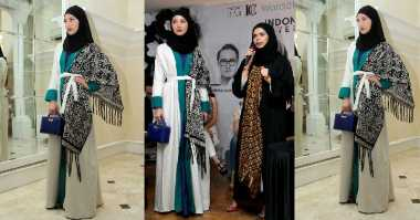 Pertama Kali, Vivi Zubedi Bawa Pesan Islami Melalui Koleksi Abaya di Panggung New York Fashion Week 2018