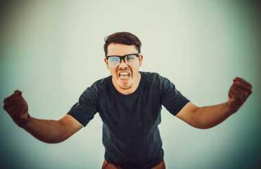 Kelebihan Testosteron Bikin Pria Jadi Agresif? Ini Buktinya!