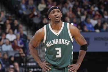 RESMI! Jason Terry Bertahan di Milwaukee Bucks