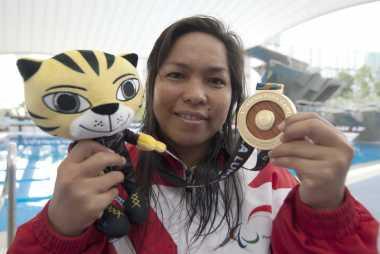 Lewati Target, Tim Renang Indonesia Sabet 13 Medali Emas di Hari Ke-4 ASEAN Para Games 2017