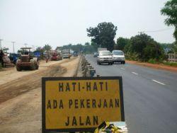 Kondisi jalan Pantura Subang yang sedang diperbaiki beberapa waktu lalu. (Anas)