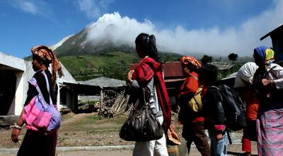 Pengungsi korban meletusnya Gunung Sinabung (Foto: Koran SI)