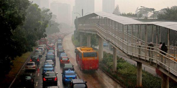 Hujan perparah kemacetan lalu lintas di Jakarta (Foto: Koran SINDO)