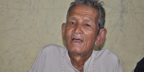 Faizal (75), kakek yang diduga sudah dikubur 3 hari kembali bangkit (Foto: Rus Akbar/okezone)