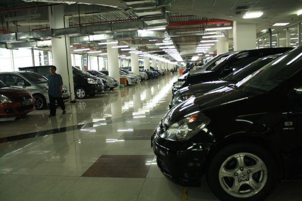Hujan Emas Di Bursa Mobil Wtc Mangga Dua Okezone News