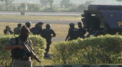 Polisi membawa Abrori ke Mapolda NTB. (Dok: Sun TV)