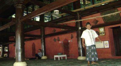 Bagian dalam Masjid Agung Sang Cipta Rasa Cirebon. (Foto: Koran SI)