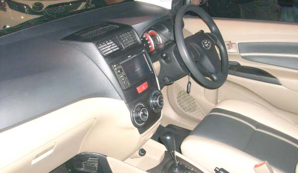 F: Interior All New Avanza (Azwar/Okezone)