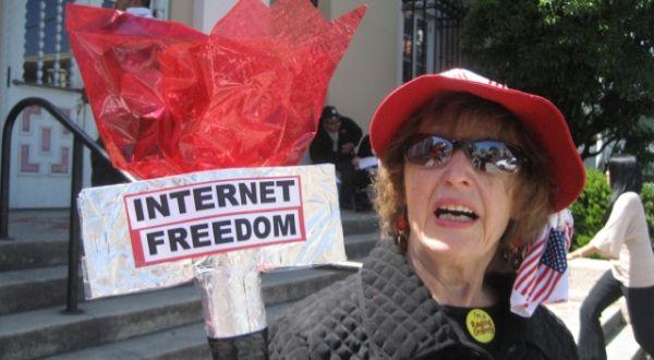 Blogger Kamboja 'Curhat' Tentang Internet Freedom