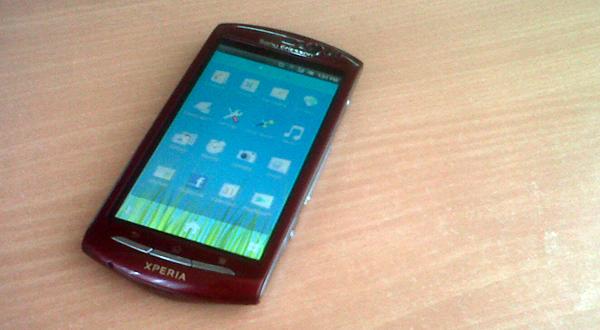 Gingerbread nan Ergonomis, Sony Ericsson Xperia Neo