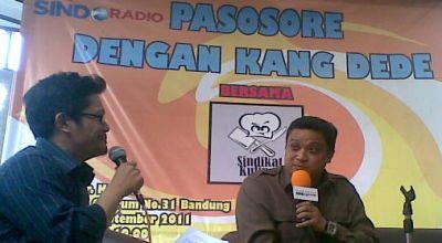 Dede Yusuf saat mengisi acara Sindo Radio di Bandung (Foto: okezone/Iman H)