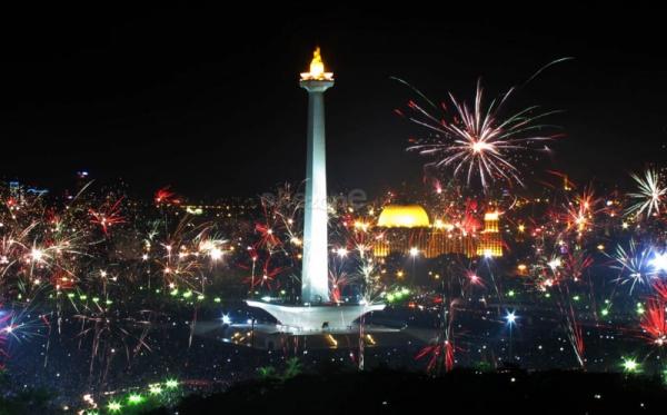 Pesta Kembang Api di Monas simbol warga Betawi