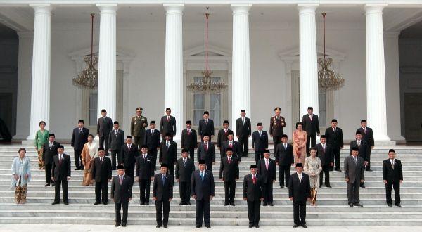 Para menteri termasuk birokrat yang menjalankan negara (ist.)