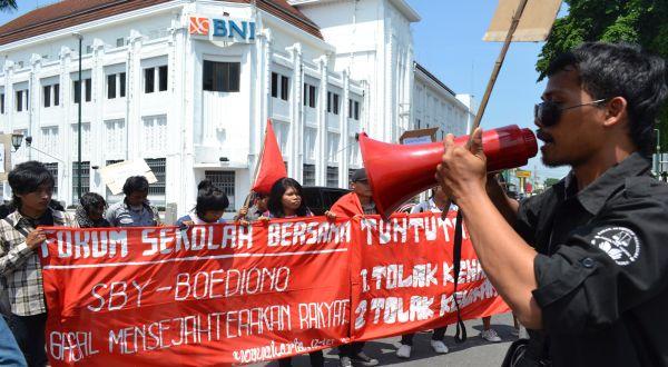 Demo tolak kenaikan BBM (Foto: Prabowo/okezone)