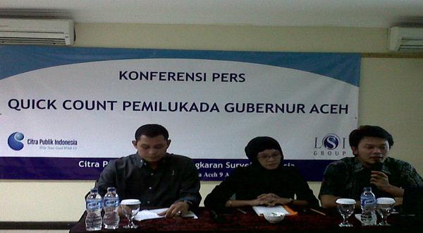 Peneliti dari CPI memberikan keterangan pers kepada wartawan. (Salman Mardira/Okezone)