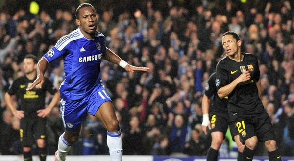 Selebrasi gol Didier Drogba usai membobol gawang Barca (Foto: Getty Images)