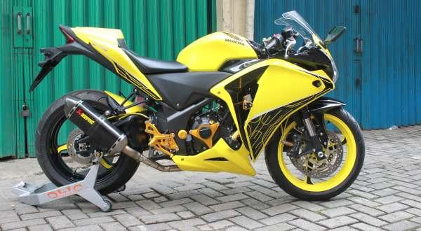 F: Honda CBR150 (Septian P/Okezone)