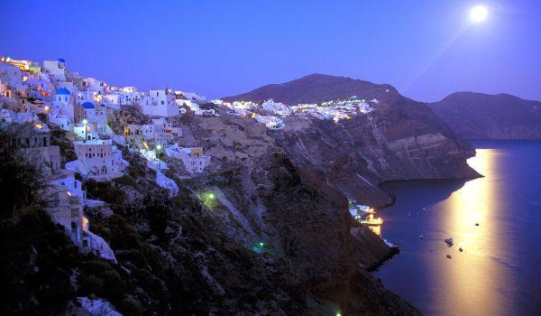 Santorini, Yunani (Foto: ilikesunflower)