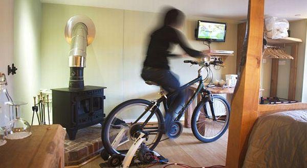 Sepeda untuk mengalirkan listrik pada televisi (Foto: Telegraph)