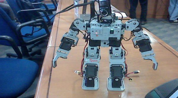 Robosoccer ITB (Foto: Iman Herdiana/okezone)