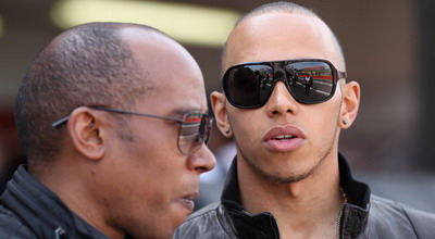 Lewis Hamilton bersama ayahnya (Foto: Daylife)
