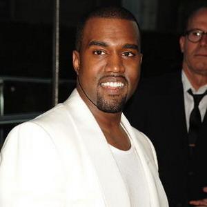 Kanye West Cuma Mau Makan di Piring Puluhan Juta Rupiah