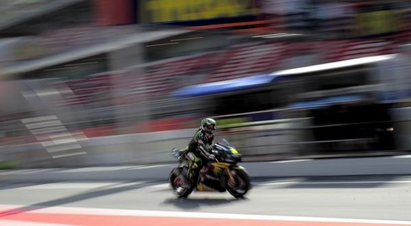 Cal Crutchlow mengalami kecelakaan pada tes pascabalapan Senin ini di Sirkuit Katalunya/Getty Images