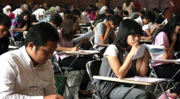 Suasana ujian tulis SNMPTN (Foto: dok. Unpad)