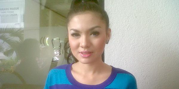 Vicky Shu Masih Menyesal Tidak Angkat Telefon Ayah