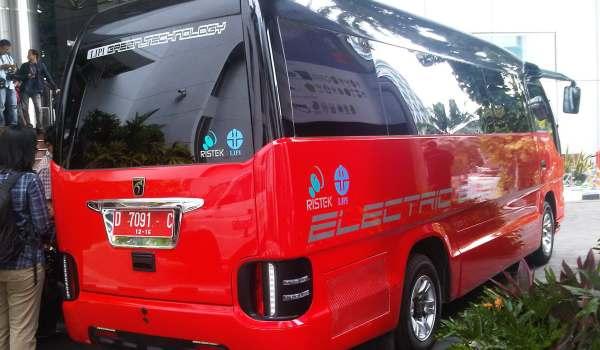 F: Bus Listrik LIPI (Ahmad Luthfi/Okezone)