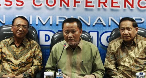 Menkum HAM Amir Syamsuddin/tengah (Okezone)