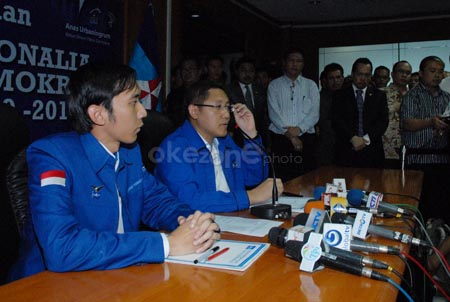 Anas Urbaningrun dan Edhie Baskoro Yudhoyono (Foto: Dok.Okezone)