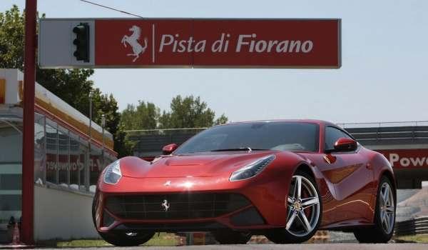 F: Ferrari F12 Barlinetta (inautonews)