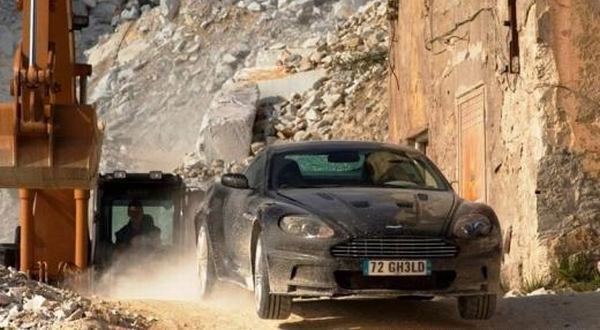F : Aston Martin DBS (Inautonews)