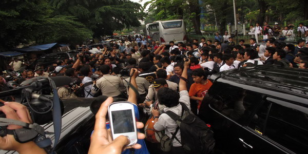 Aksi Tawuran Siswa SMA 6 di Bulungan (Foto: Dok. Okezone)