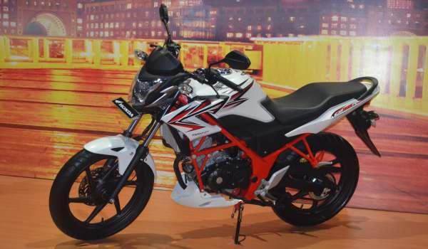 F: Honda CB150R dengan aksesoris (Azwar F/Okezone)