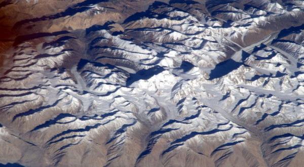 Gunung Tertinggi Di Bumi Direkam Dari Luar Angkasa Okezone Techno