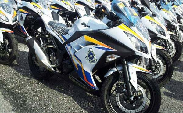 F: Kawasaki Ninja 250 Polisi Malaysia (Motorcycle)