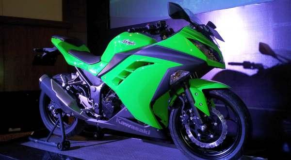 F: Kawasaki New Ninja 250 (Septian P / Okezone)