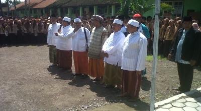 Pernyataan dukungan para kiai untuk Suryadharma Ali (Foto: Juliatmoko/Koran SI)