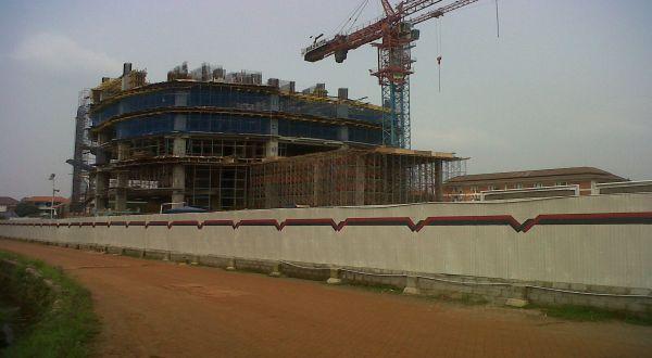 Lokasi proyek pembangunan Gedung Manhattan (Foto: Arief/Okezone)