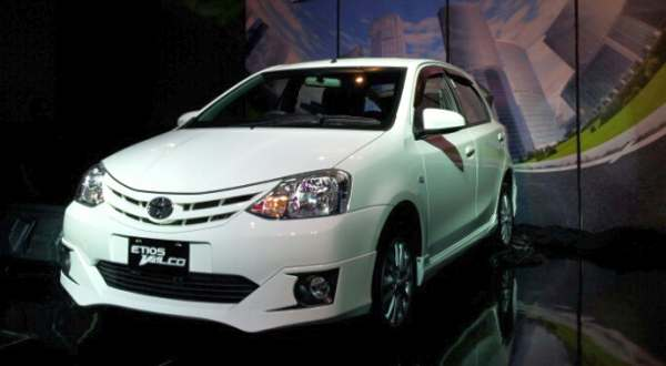 F: Toyota Etios Valco (toyota-nav1.com)