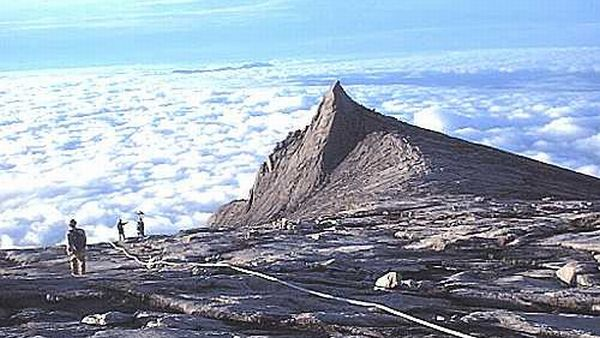 Puncak Gunung Tertinggi Di Malaysia Simpan Banyak Misteri Okezone Lifestyle