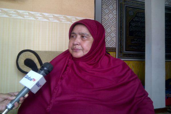 Ibunda Uje, Tatu Mulyana (Foto: Fiddy/Okezone)