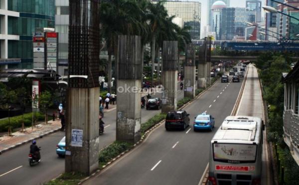 Tiang-tiang Monorel di Jalan Rasuna Said, Jakarta (Foto: Heru/Okezone)